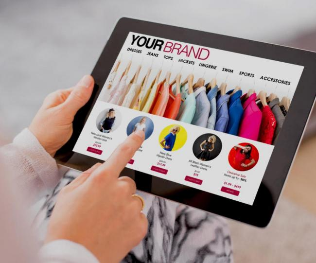 Omnichannel B2B eCommerce for apparel brands, managed from a tablet