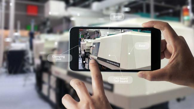 Smartphone with digital overlay for learning with augmented reality